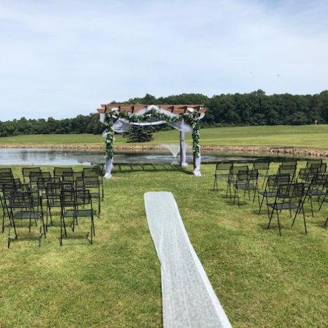 whispering-pines-lewisberry-pa-outside-ceremony